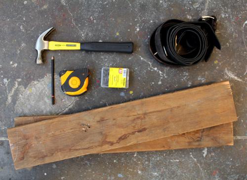 Рафт от кожа и дърво - материали